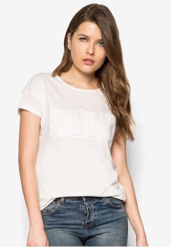 壓紋zalora 台灣棉質TEE, 服飾, T恤