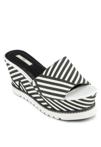 zalora退貨撞色條紋厚底楔形涼鞋, 女鞋, 楔形鞋