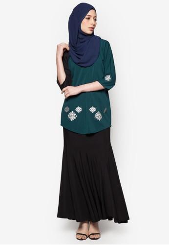 Elleeze Baju Kurung Kedah Dokoh from Elleeze Attire in Green
