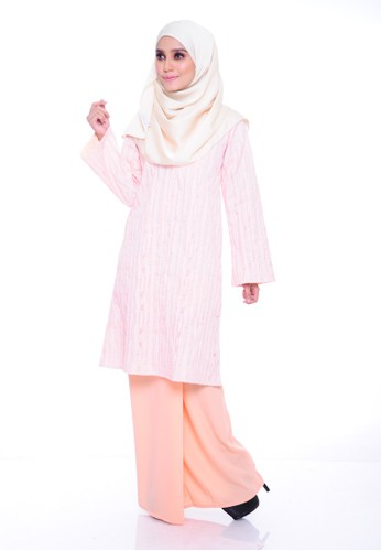 Orkid Kurung Moden – Peach from Aireen in Orange