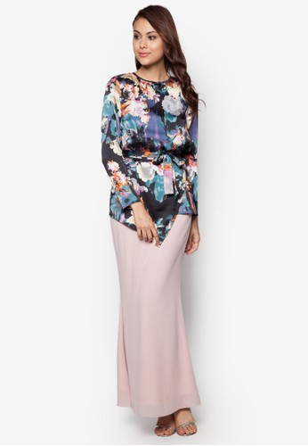 Sweet Romance Baju Kurung Moden from Zolace in Black and Pink