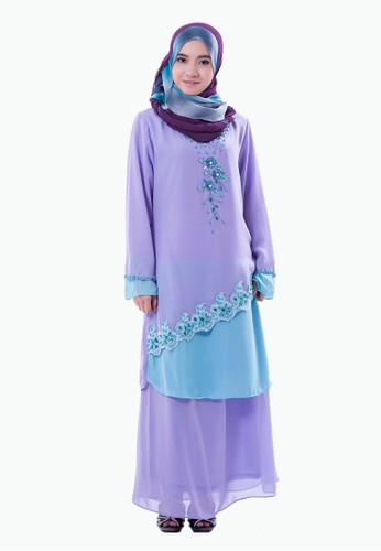 Rasa Sayang EmbroideRed Baju Kurung – Violet/Light Blue from Rasa Sayang in Purple