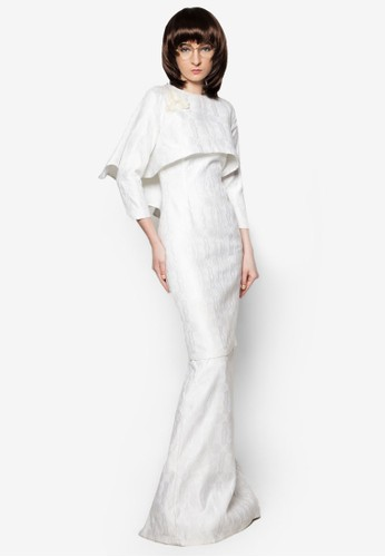 Kurung Makmur from Woo/Fiziwoo for Zalora in White