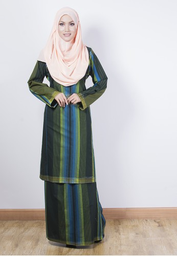 KURUNG RIAU TENUN – Green from Yaty's in Green and Multi