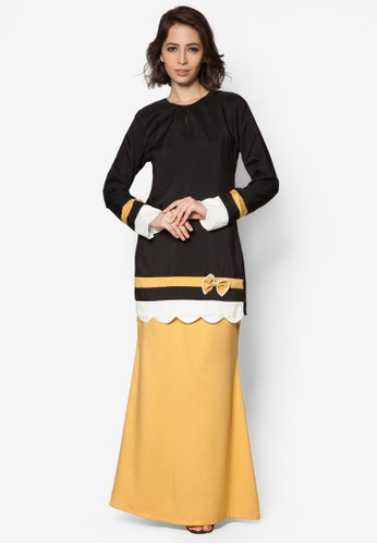 Baju Kurung Modern from Gene Martino in Black and Yellow