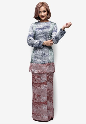 Emel x Sazzy Falak Sunflower Star Modern Kurung from Emel by Melinda Looi in Red and Multi