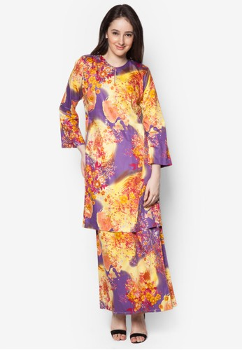 Baju Kurung Pahang Japanese Cotton Olive from Butik Sireh Pinang in Purple and Gold