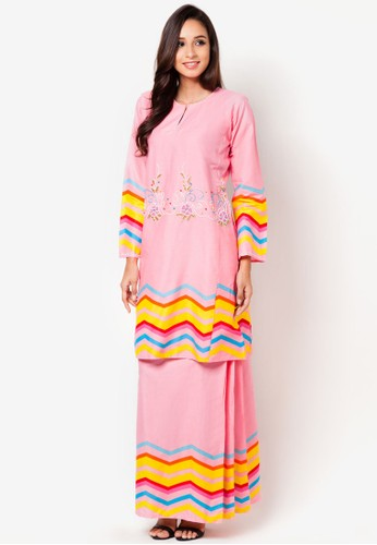 Gaira Baju Kurung from Jennifer Creations in Pink