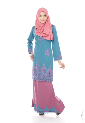 Maribeli Butik Jasmine Kurung – Green (Green TURQUOISE DARK RASPBERRY) from Maribeli Butik in Green and Purple