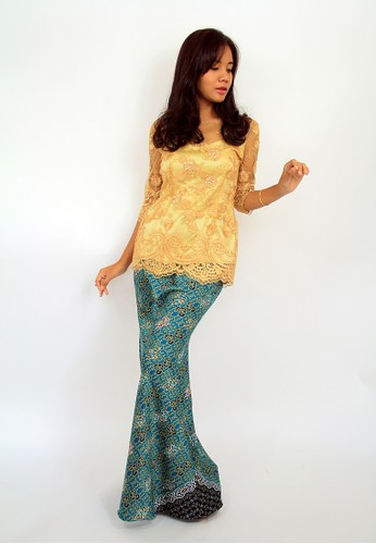 Laura Signature Gold Modern Kebaya EN-0007 – Yellow from Efi Nofiani in Yellow and Green