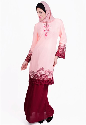 Baju Kurung With Bead And Lace from ESPRIMA in Pink