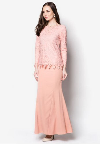 Elsa Keyhole Lace Kurung from VERCATO in Pink