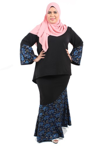 Plussize Premium Wanis Lace Fishtail Set from Mis Claire in Black and Blue