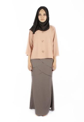 Arra Kurung from Svrayasalleh x EffyHvzrn in Grey and Pink and Beige