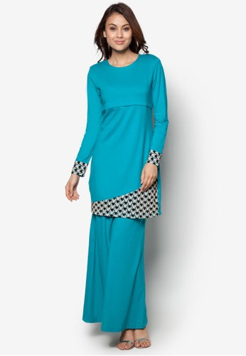 Baju Kurung Nursing from Gene Martino in Blue