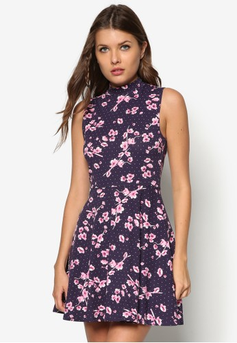 高領束腰傘擺洋裝, 服飾,zalora 包包評價 洋裝
