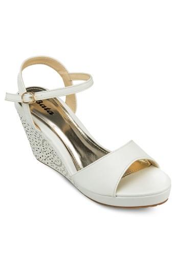 Uny 繞zalora 順豐踝雕花厚底涼鞋, 女鞋, 楔形鞋